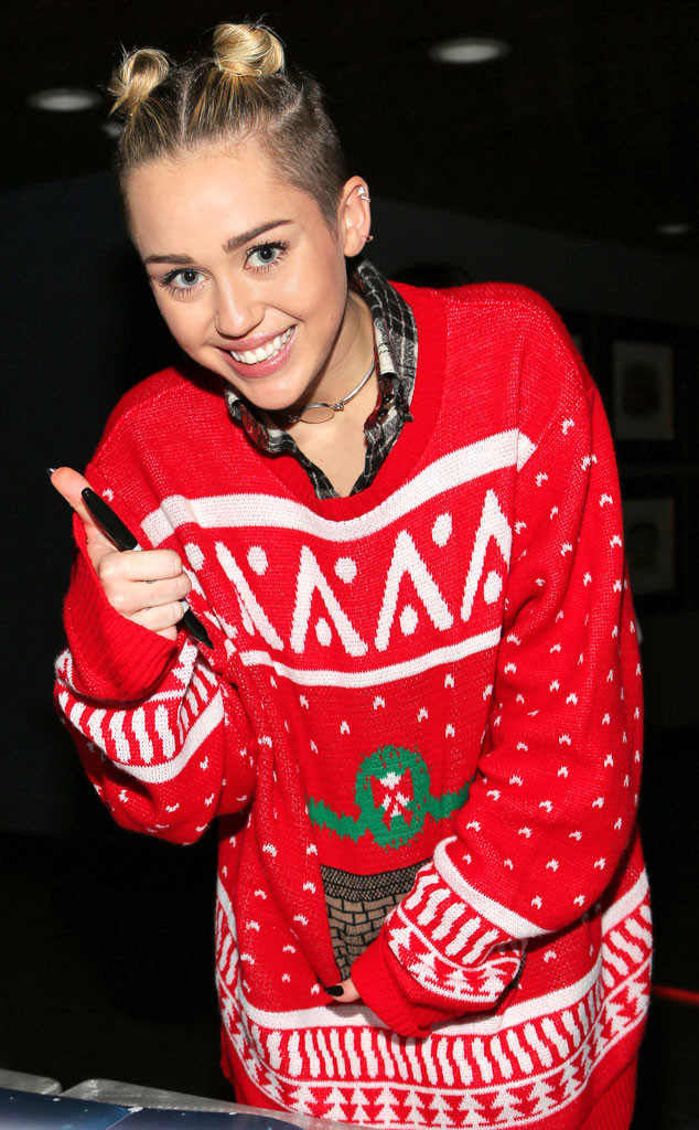 rs_634x1024-131219102510-634.miley-cyrus-christmas-sweater-121913